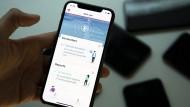 Eine Test-App der Technischen Hochschule in Lausanne, um Kontaktpersonen zu verfolgen. Die Schweiz will die App demnächst einführen.
