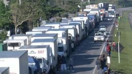 Brasilianische Trucker pausieren Streik