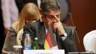 Mit den Gedanken in Berlin? Außenminister Gabriel auf dem Treffen der Asem-Staaten in Myanmar