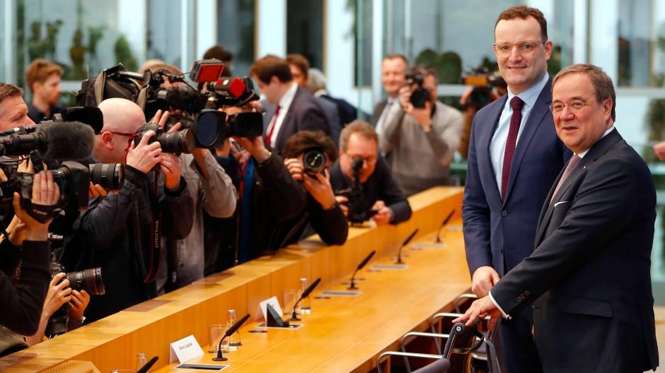 Eineinhalb Stunden vor Friedrich Merz: Das Team Laschet/Spahn in der Bundespressekonferenz