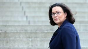 SPD drängt auf höhere Mittel für Parteien
