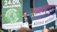 Armin Laschet am Dienstag beim Wahlkampf in Hessen