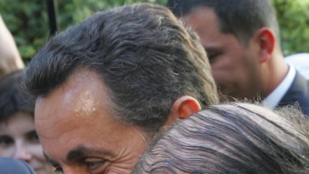 Zaudernd an Bouteflikas Seite