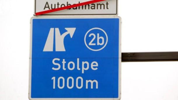Schröder stützt Stolpe