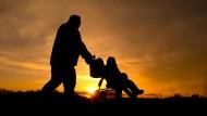 Nach der Trennung gibt es den modernen Vater nicht mehr