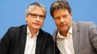 Robert Habeck (rechts) und Sven Giegold am Montag in Berlin