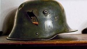 Ein Stahlhelm macht noch keinen Nazi