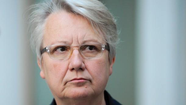 """""""Schavan nicht wegen Plagiats vorverurteilen"""""""