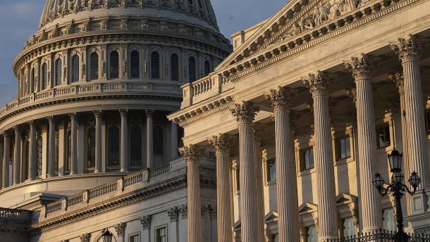 Demokraten verteidigen Mehrheit in Repräsentantenhaus
