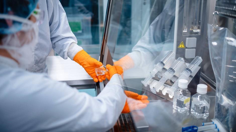 In der Impfstoffentwicklung weit vorne: Mitarbeiter des Mainzer Unternehmens Biontech im Labor