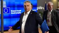 Geht die deutsche Ratspräsidentschaft mit ihrer Position zur Rechtsstaatsklausel im EU-Haushalt zu weit auf Politiker wie Viktor Orbán zu, wie Kritiker bemängeln?