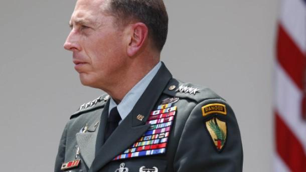 McChrystals Ziehvater übernimmt