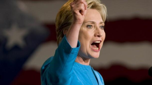 """Clinton kämpferisch: """"Ich führe beim Volk"""""""