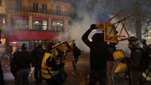 """""""Inakzeptable Gewalt gegen die Ordnungshüter"""""""
