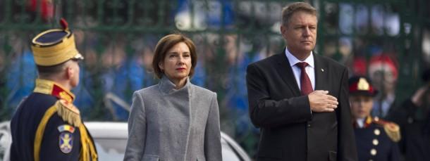 Der neue rumänische Präsident Klaus Johannis und seine Frau Carmen bei den Feiern zu seiner Vereidigung