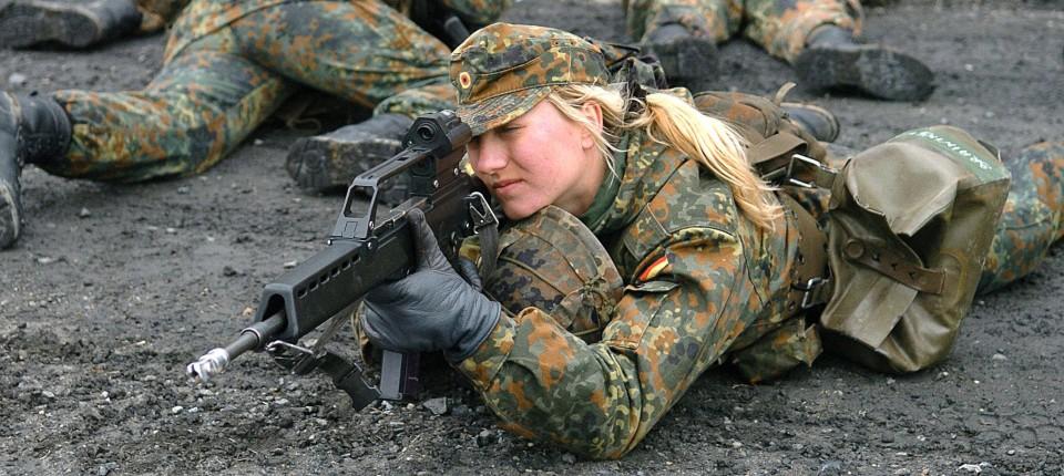 Bundeswehr Studie Soldaten Sehen Wegen Frauen Kampfkraft Schwinden