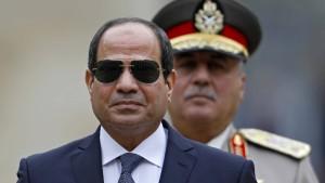 Al Sisi tauscht Armee- und Geheimdienst-Chefs aus