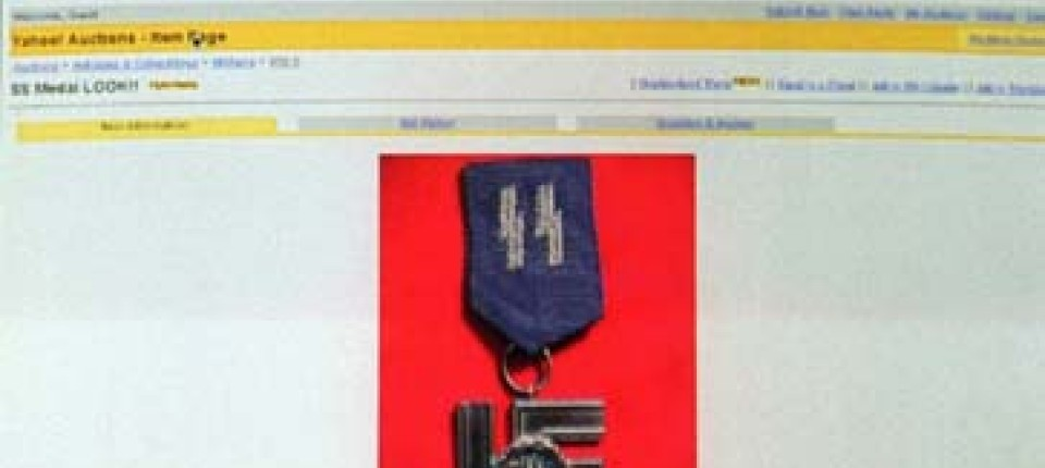 Internet Yahoocom Stoppt Verkauf Von Nazi Objekten Politik Faz