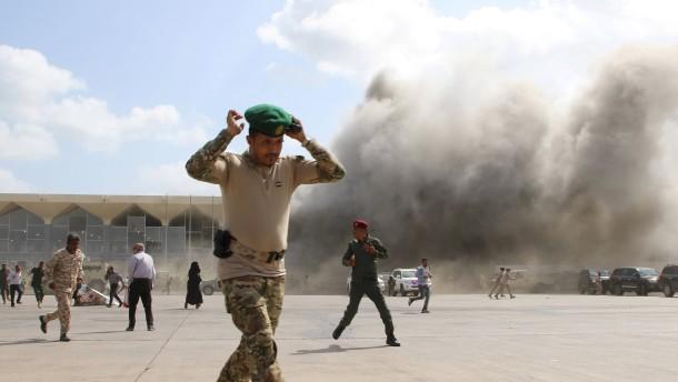 Anschlag auf neue Regierung Jemens