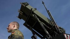 Deutsche Politiker fordern Reaktionen auf türkische Kriegsspiele