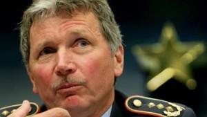 General Viereck: Wenden Gewalt an, wenn nötig
