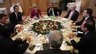 Die Staats- und Regierungschefs der G7 in Brüssel. Auch EU-Ratspräsident Herman Van Rompuy und Kommissionspräsident Jose Manuel Barroso nahmen an den Beratungen teil.