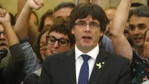 Puigdemont ruft zu friedlichem Widerstand auf