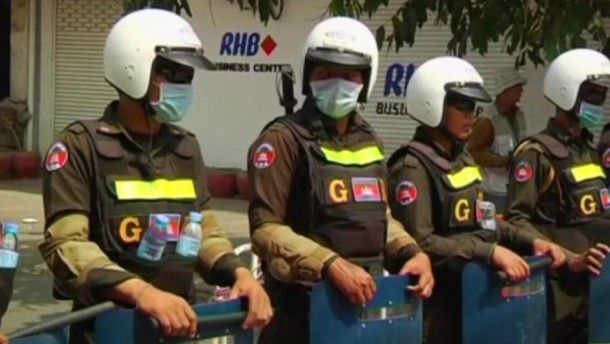 Polizei räumt Camp von Textilarbeitern in Kambodscha