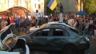 Proteste vor russischer Botschaft in Kiew