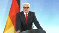 Außenminister Steinmeier verteidigt Ausreiseaufforderung an amerikanischen Geheimdienst-Vertreter