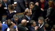 Gerangel im ukrainischen Parlament