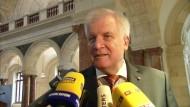 Seehofer: SPD muss ihre Haltung zu Transitzonen der Bevölkerung erklären