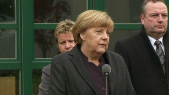 Merkel besucht Schule der Opfer in Haltern