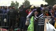 Rangeleien an der griechisch-mazedonischen Grenze