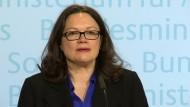 Nahles: Größte Rentenerhöhung seit 23 Jahren
