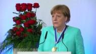Merkel: Gefahr durch Extremisten muss Europa entschlossen begegnen