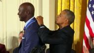 Obama verleiht Freiheitsmedaillen kurios