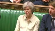 Mays Brexit-Pläne nehmen locker erste Hürde im Parlament
