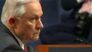 """Sessions bezeichnet Vorwürfe als """"abscheuliche Lüge"""""""