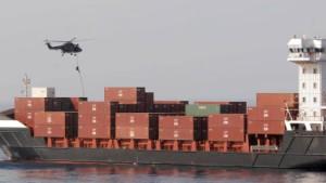 Niederländische Marine befreit deutsches Schiff