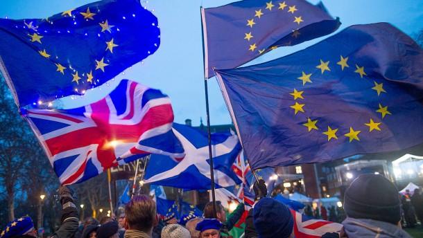 Über 3,8 Millionen EU-Bürger beantragen Bleiberecht