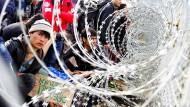 Hier kommt keiner durch: Afghanische Flüchtlinge 2016 an der griechisch-mazedonischen Grenze