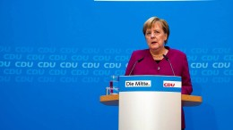Merkel räumt eigene Fehler ein