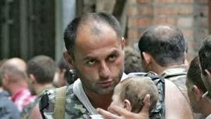 Halfen Beamte den Geiselnehmern von Beslan?