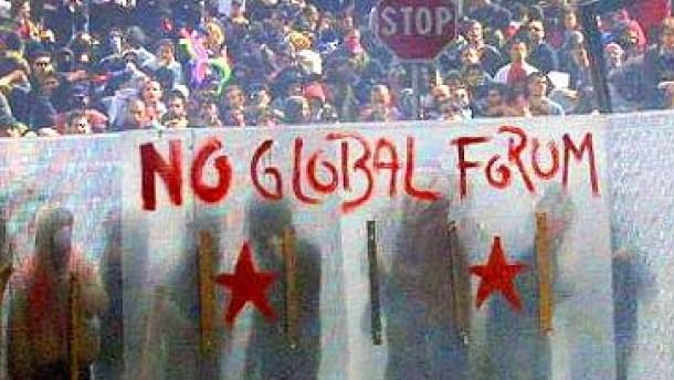 Online organisieren, offline demonstrieren