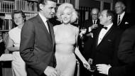 Legendäres Monroe-Kleid für 4,8 Millionen Dollar versteigert