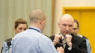 Der verurteilte Massenmörder Anders Behring Breivik am 16. März vor Gericht im norwegischen Skien.