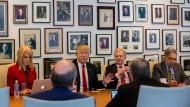 """Im Gespräch mit der """"New York Times"""" räumt Donald Trump einige seiner Wahlversprechen ab."""