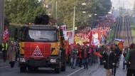 Nahles fordert Thyssenkrupp zu Transparenz auf