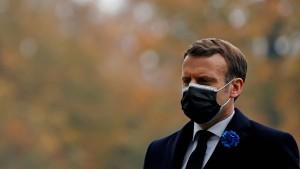 Macron stellt Lockerung des Lockdowns in Aussicht